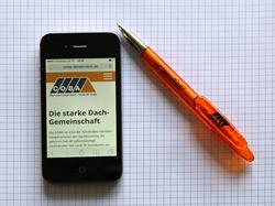 iPhone mit COBA-Seite